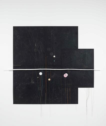 Untitled - 162x122cm Inkt, confettie, bamboe, vernis en katoen op fotopapier