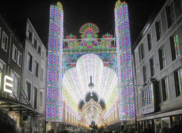 Luminarie De Gagna - Tunnel Rinascimentale con galleria celeste