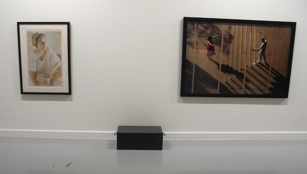 Cindy Sherman - Untitled 120A , Marina Abramovic - Anima Mundi Bankok , en een onbekende kist?