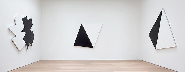 Te zien in Barbel Graesslin te Frankfurt, Imi Knoebel (1940). Een van de bekendere studenten van Beuys en werkte lang in hetzelfde atelier met Blinky Palermo. Een bekende naam dus. […]