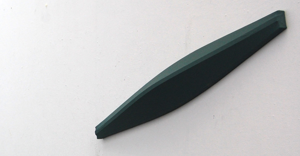 Tijl Orlando Frijns - Boot (uit de installatie Wachtkamer) - 170x30cm Olieverf op shaped canvas
