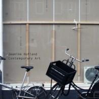 Afgelopen zaterdag was ik in Amsterdam voor een flinke galerieronde. Te beginnen met Jeanine Hofland waar nu Rumiko Hagiwara (1979) tentoonstelt. Er zijn diverse werken van diverse media te zien; […]