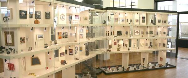 Onderdeel van de nu lopende tentoonstelling XXSmall is het Miniatuurmuseum. De tentoonstelling is verder hier niet zo relevant maar het miniatuurmuseum is toch even meer dan het vernoemen waard. Het […]
