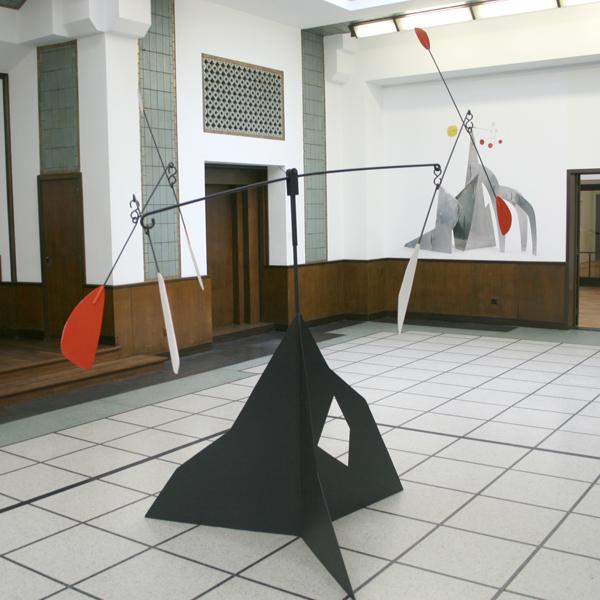 Alexander Calder - Zonder Titel (Garagemobile) - Beschilderd Staal