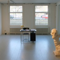 Vandaag was ik mijn eigen werk naar Den Haag aan het brengen voor een tentoonstelling daar binnenkort. Ik had even de tijd om ook te kijken bij Galerie Ramakers waar […]