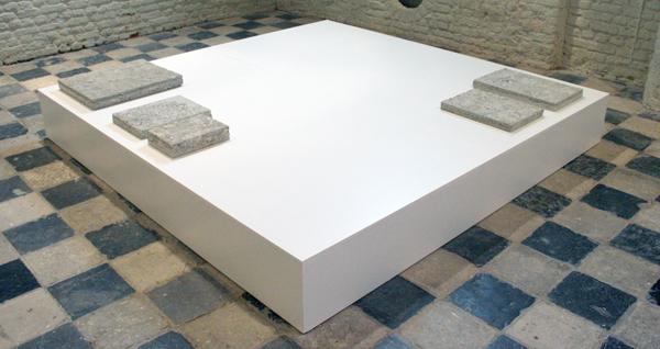 Remco Torenbosch - Foundation Stones (papercrete prototypes A - E) - Beton