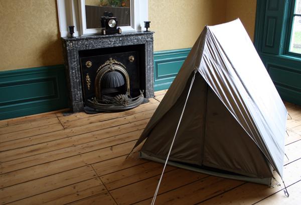 Sarah van Sonsbeeck - Faraday Tent - 240x160x120cm Electromagnetische straling afwerende stof en staal