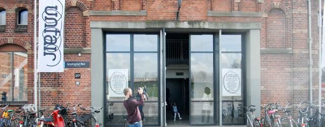 Unfair Amsterdam editie 3 opende afgelopen middag haar deuren. De kunstbeurs voor en door kunstenaars niet langer afgestudeerd dan 10 jaar. De inzet is vergeleken met eerdere edities internationaler en […]