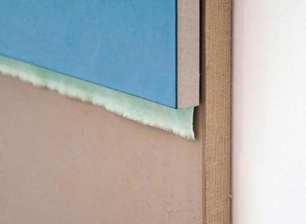 N Dash - Untitled - 213x61cm 'Adobe', olieverf, pigment, acrylverf, linnen, jute en houten drager (detail)