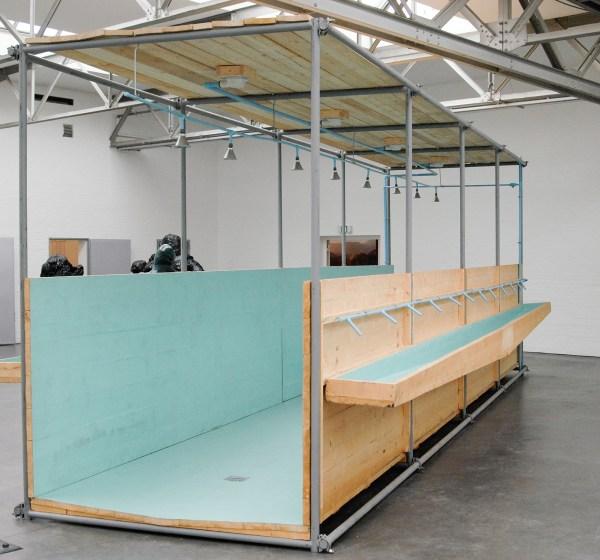 Atelier van Lieshout - CallCenter Units Life Size Showerunit - Hout, staal en glasvezel