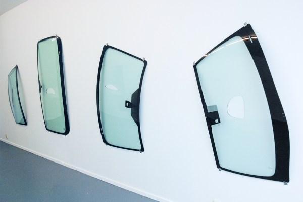 Johanne Hestvold - (Untitled) - Watergesneden autovoorruiten