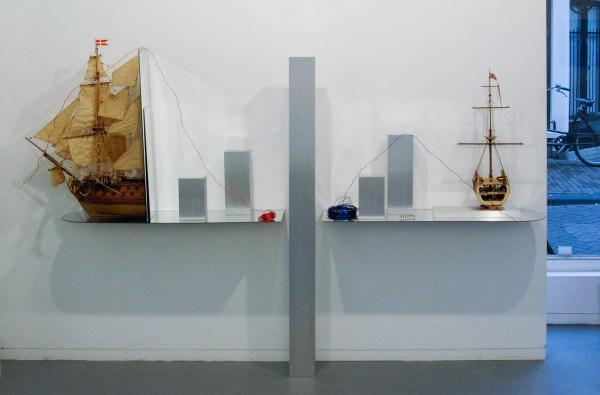 David Jablonowski - E-commerce 5 (Firewall San Francisco) - 100x135x20cm Spiegel, scheeps schaalmodel en aluminium