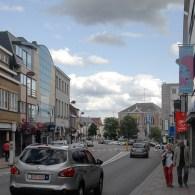 De triënnale Van Stof tot Asse zal niet bij iedereen een belletje doen gaan rinkelen. Asse is een voorstadje van Brussel waar sinds '86 galerie de Ziener gevestigd is. Toen […]
