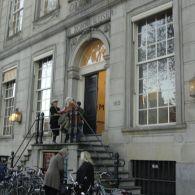 Big Art Fair is dit jaar in het pand aan de Herengracht 182 ook wel bekend als de Zonnewyser, op een steenworp afstand van het paleis op de dam. Een […]