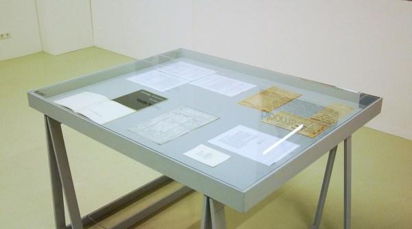 documentatie stanley brouwn - alles dat over is van zijn show in het Stedelijk