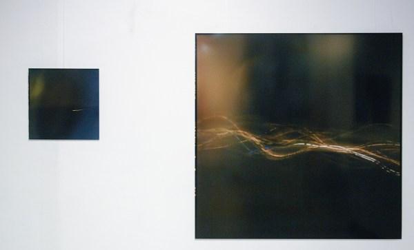 Roselien Hassing - Untitled (uit de serie 'het tussenmoment') - 51x52cm & 150x150cm Analoge C-print op aluminium