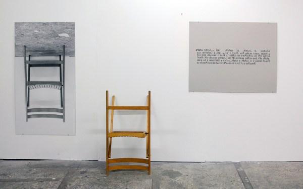 Evelin Brosi & Elvis Bonier - One or Three Chairs - Lambdaprint, vouwstoel en zeefdruk op karton