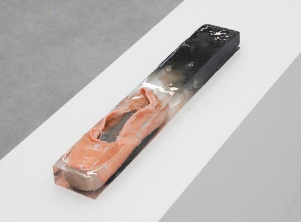 Grace Schwindt - Ballet Shoe - 6x50x8cm Balletschoen, hars en inkt