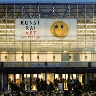 De KunstRai opende vandaag haar deuren voor de editie van 2018. Ik ben de afgelopen jaren geen fan van de KunstRai geweest. Het is een beurs met rafelranden en dat […]
