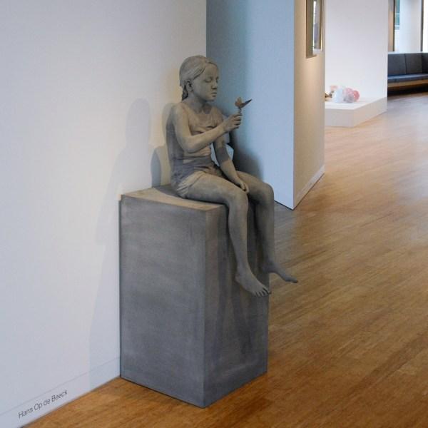 Hans Op de Beeck - Tatiana (Butterfly) - 155x80x50cm Polyester, polyamide, koper, coating en hout