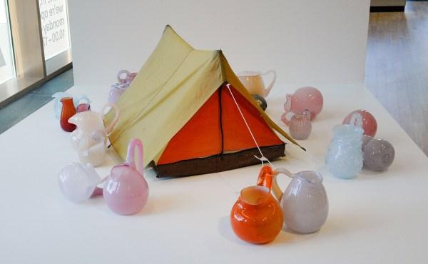 Maria Roosen - Tent - 70x150x125cm Doek en glas
