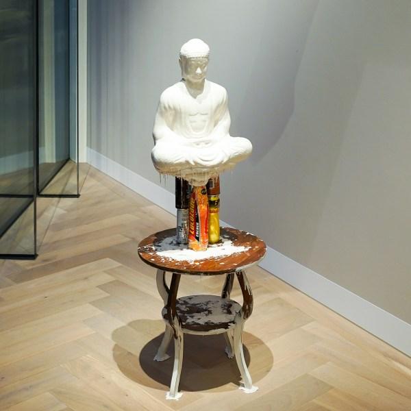 Pawel Ferus - Yogi - Acrystal, siliconen en meubel