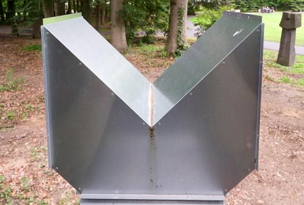 Charlotte Posenenske - Serie D Vierkantrohre (Vierkante Buizen) - Gegalvaniseerde staalplaat, 1967-2019 (detail)