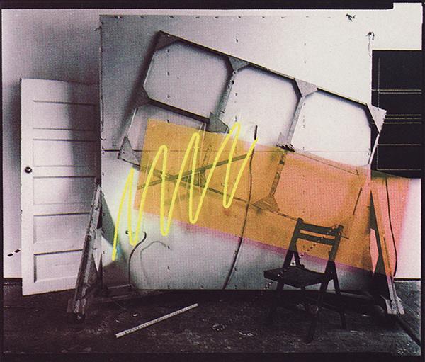 Bill Kane - Studio 4 - Foto, neon en plexiglas (1981)