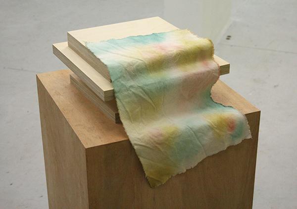 Chad Burt - Gaurdian (Hyper Imp) - 13x30x30cm Hout, canvas en inkt