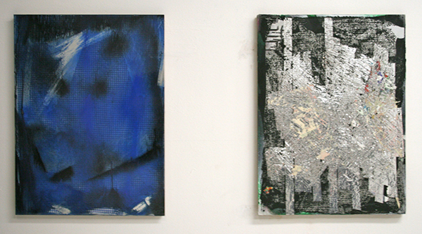 Cheryl Donegan - Crack 4 (Blue Check Crack) & Tinfoil Test - 46x61cm Spuitbus, plexiglas, stof, metallic tape en olieverf op golfkarton
