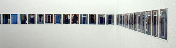 Chloe Janssens - 32 blauwe deuren