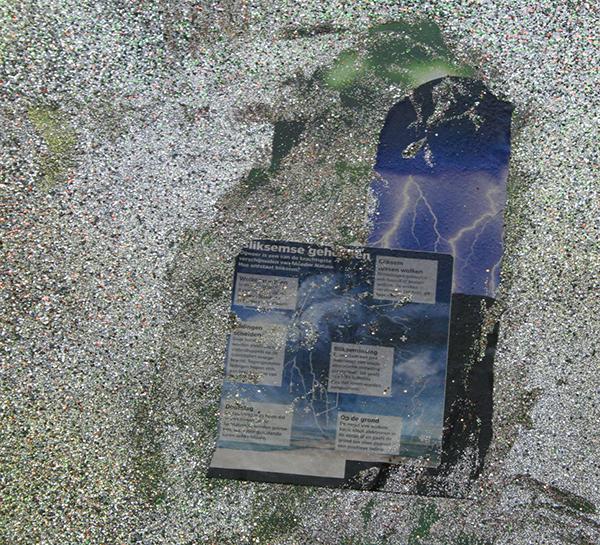 Chris Martin - Large Glitter Painting for the Submarine Wharf - Acrylverf, gelmedium, collage en glitter op bedrukt vinyl (detail)