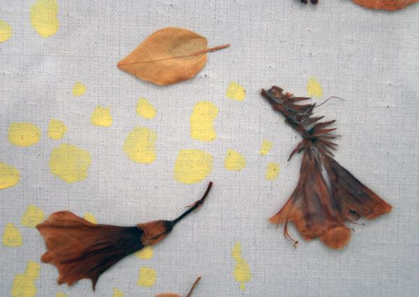 Daan van Golden - Budda - 114x92cm Tempera en bloemen op canvas op paneel (detail)