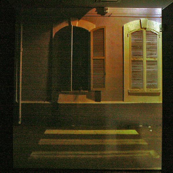Frank Ammerlaan - Barracks (? titelbordje is zeer onleesbaar) - Filmloop met geluid
