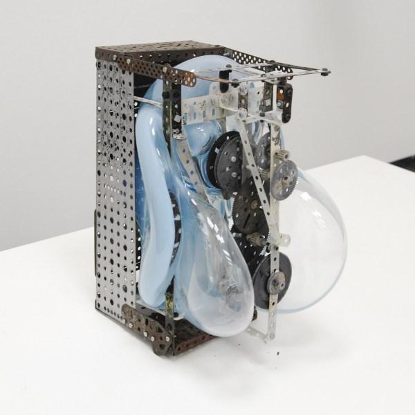 Gabrielle van de Laak - Blue Thought - 33x20x27cm Glas en meccano