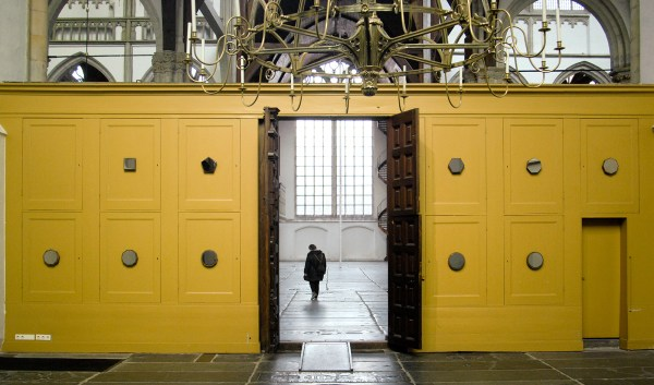 Germaine Kruip - Kannandi from Square to Circle - 10 handgemaakte spiegels op houten panelen