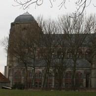 """Een klein jaar geleden was ik er ook al eens geweest, de Grote Kerk in Veere. Nu is daar in kader van het project 'De Schilder, het Werk, het Atelier"""" […]"""