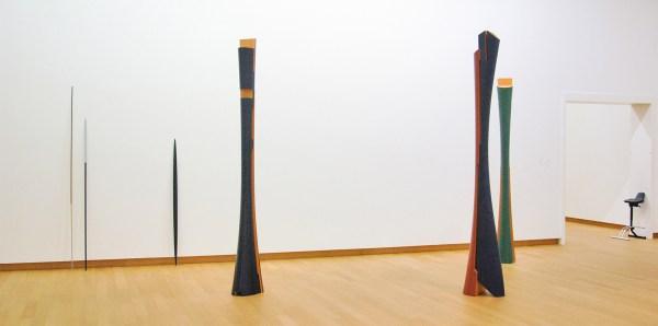 Isa Genzken - Ellipse & Untitled & Meister Gerhard & Marz & Diana - Hout en lakverf