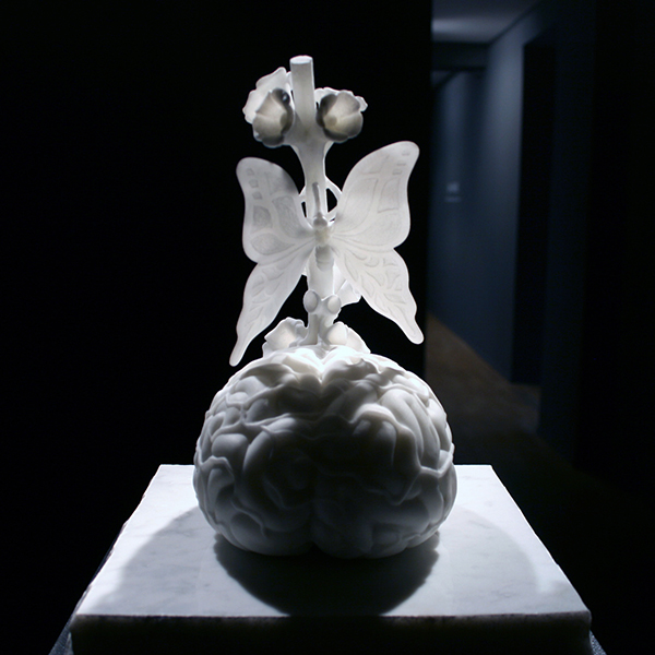 Jan Fabre - Gisant (The Sound of the Soul) - 30x17x23cm Marmer