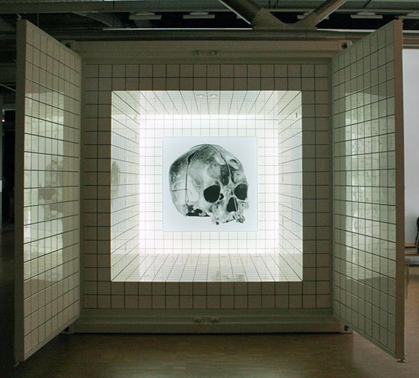 Jean Pierre Raynaud - Container Zero