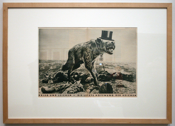 John Heartfield - War and Corpses - Fotocollage
