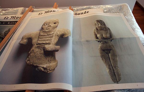 Kamer 5, Jean-Luc Moulene - Le Monde, Le Louvre - 24 Cibachromes achter diasec (en krant)