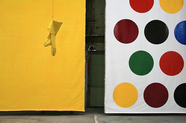Klaas Kloosterboer - 13101 (carrousel) -  Installatie (met 07136 - Lakverf op linnen)