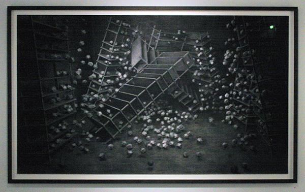 Levi van Veluw - Archive - 205x120cm Houtskool op papier