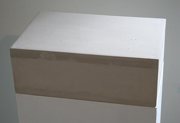 Loek Grootjans - Storage For Distorted Matter (Objects for the Asylum for Vincent van Gogh) - Sokkel en beton