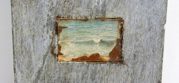 Marlene Dumas - Gebroke die See - Marmer en papiercollage, 1978 (detail)