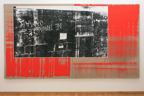 Michael Wilkinson - Travaillez - 220x400cm Digitale print, schoolbordverf, acrylverf, Spaans Groen, olieverf en bijenwas op doek