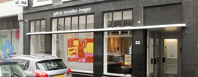 Eerder vandaag publiceerde ik een stuk over die andere tentoonstelling bij Nouvelles Images. Eveneens van een schilder en ik denk dat beide kunstenaars meer met elkaar gemeen hebben dan je […]