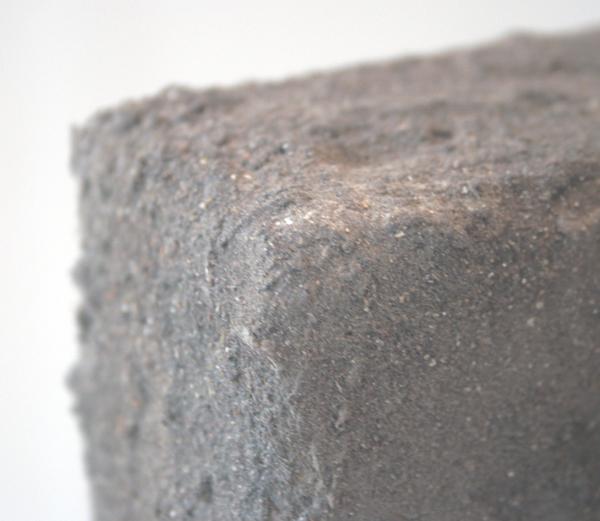 Otto Egberts - Replica (beeld) - 152x122x26cm Lijm, stof, jute, hout en perspex (detail)
