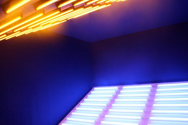 Philippe Rahm - Diurne, Nocturne - TL-licht installatie
